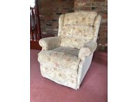 Quality Mobility Electric Riser Recliner Lift and Tilt Chair (Oak Tree)