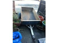 Trailer with full metal outer shell