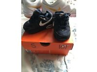 Size 3 infant Nike navy trainer