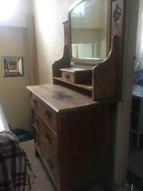 Dressing table/ chest of drawers/mirror vintage