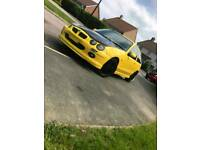 LOUD AND LITTLE. MG ZR