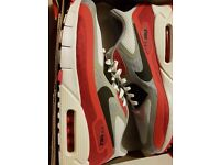 Brand new Nike Air Max 90 'breathes' red,white and grey