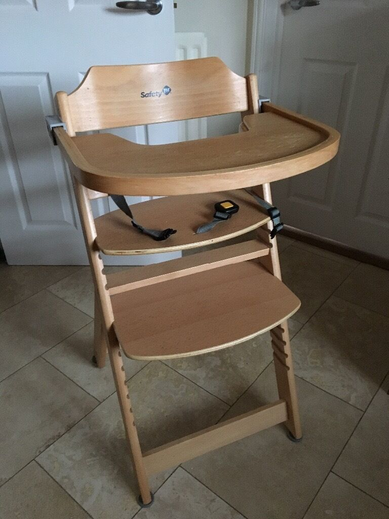 Safety 1st wooden high chair in Wateringbury Kent – Safety 1st Wooden High Chair