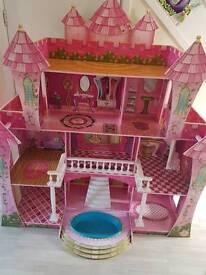 Kidkraft dolls mansion