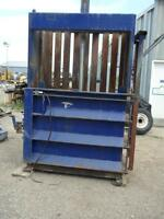 Used Compacting Hydrolic Baler