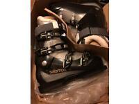 Salomon divine 65 ski boots brand new never worn size 26.5