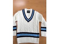 Cricket sweater size medium boys