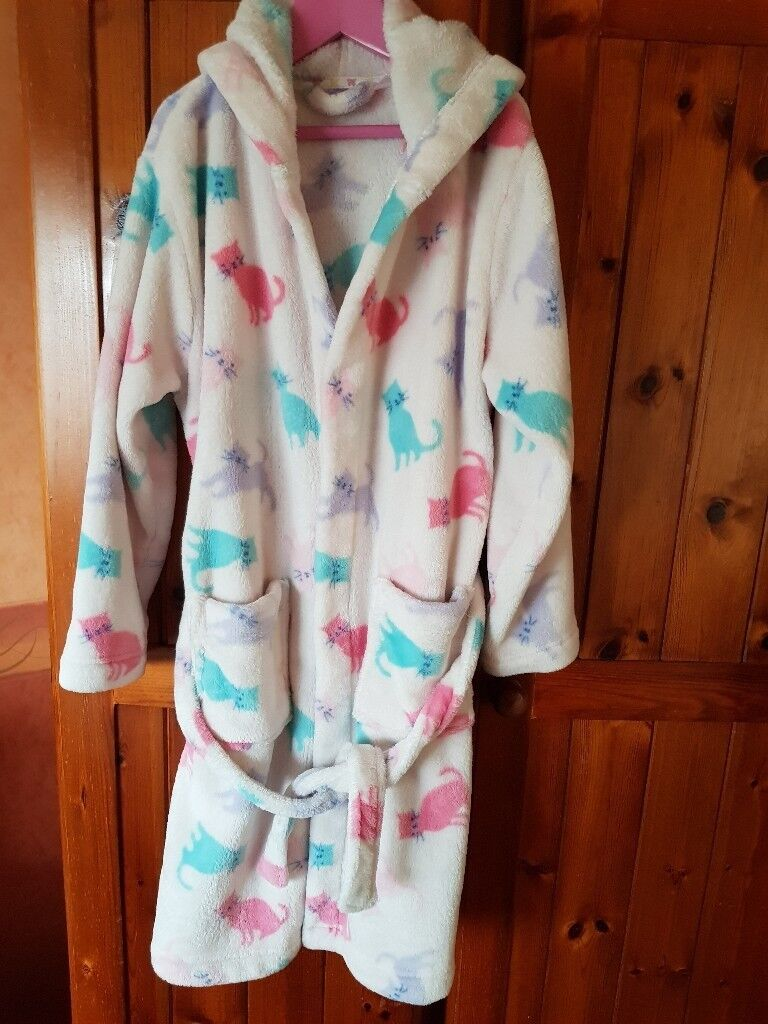 Girls Dressing Gown Age 9 From John Lewis In Sandwell West