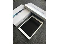 APPLE IPAD AIR WIFI 16GB IMMACULATE CONDITION WITH BRAND NEW WIRELESS KEYBOARD SEALED IN BOX