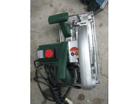 LARGE CIRCULAR SAW WITH VARIABLE SPEED