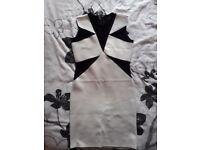 Dress size M/12