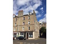 Dudhope Crescent Road - Room to let in Two Bedroom Flat (Female Preferable)