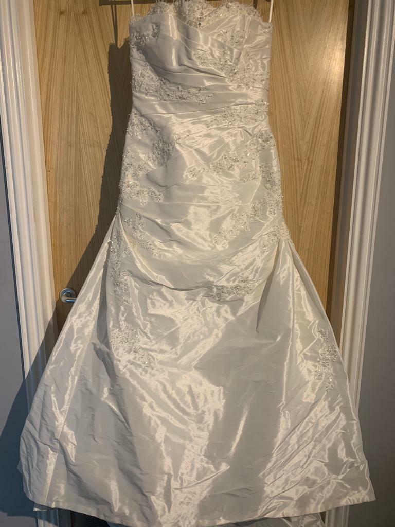 9ae550f24fe Beautiful La Sposa wedding dress. Ipswich ...