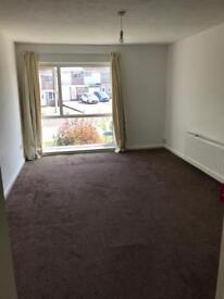 TO LET: 2 bed maisonette in Solihull. 2 mins from JLR 5 mins from Solihull