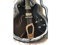 Hagstrom viking guitar black excelent