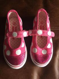 New size 7 girls shoes