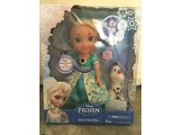 Frozen Snow Glow Elsa Doll, in box, complete with Accessories