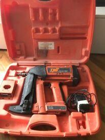 Gas nail gun