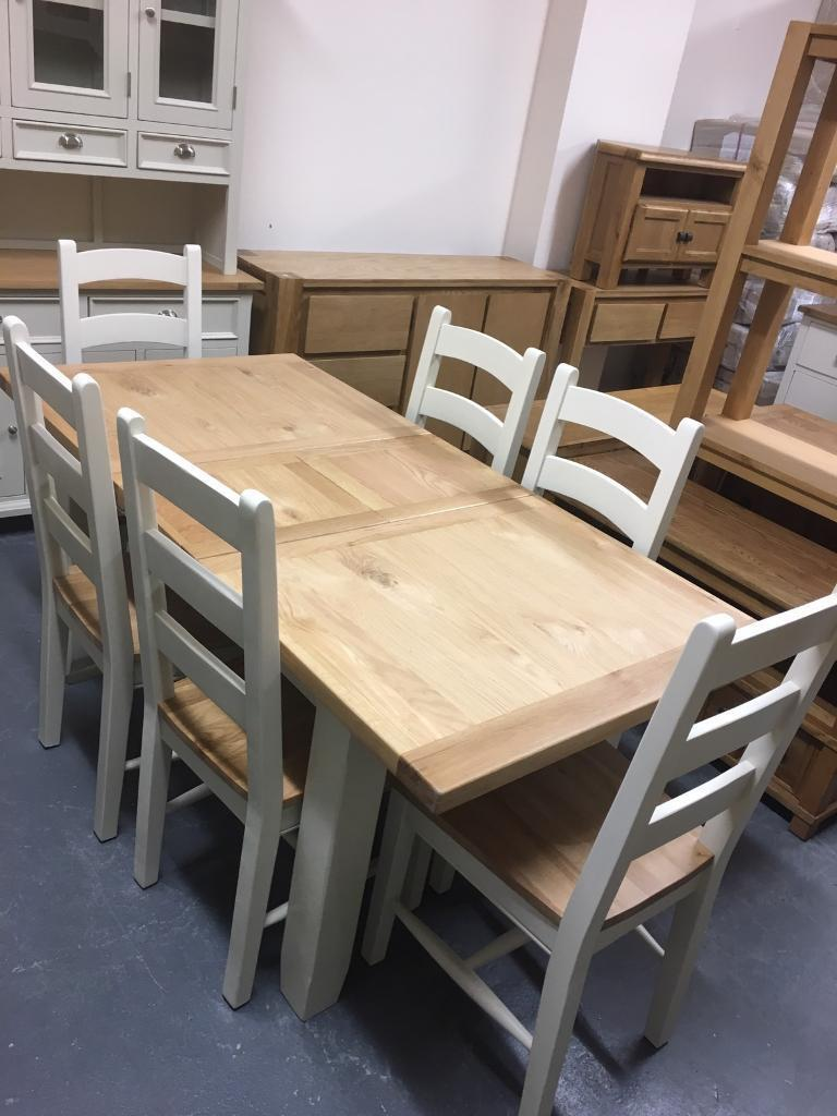 1.4m - 1.8m extending dining table
