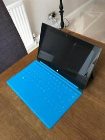 Microsoft Surface RT Laptop/Tablet 32GB + Touchscreen + Touch keyboard