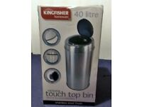 TOUCH TOP BIN 40LITRES £35.