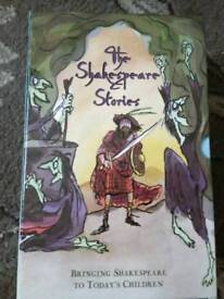 Shakespeare Boxset Great for young persons education 12 books Great condition