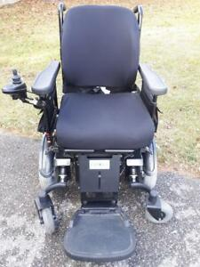 power wheelchair QUANTUM 600 in good condition .