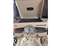 Cream record player and radio (message for pick up details)