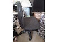 Fully functional good condition Computer Chair
