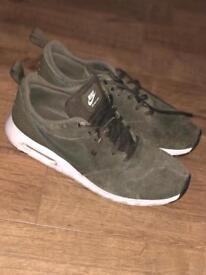 Men's Nike air max tavas size 10