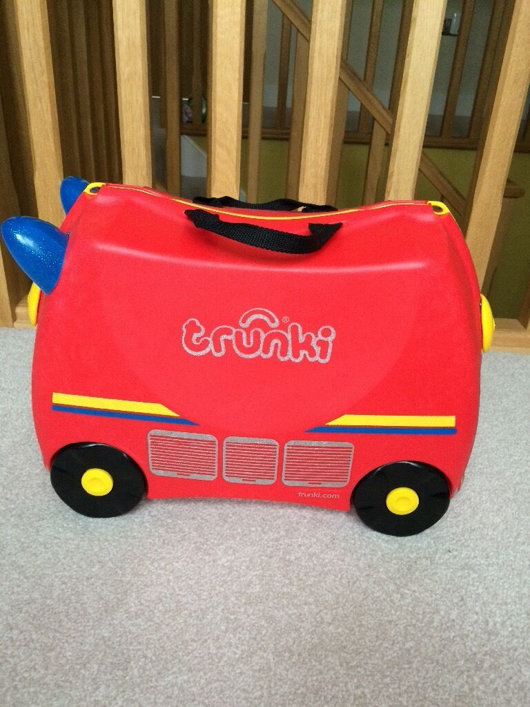 **Fire Engine TRUNKI** Holiday Kids Suitcase