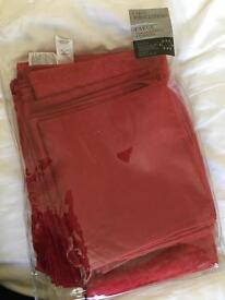 Brand New Debenhams large tablecloth and napkins red fine linen company 180 270cm RRP £95