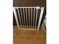 Easy close metal child safety gate