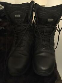 Hitech magnum work boots