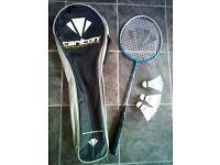 Carlton Badminton Set Racket & 3 Shuttlecocks in Case