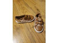 Kids Michael Kors Shoes Size 7.5...