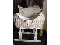 Noah pod basket and rocking stand