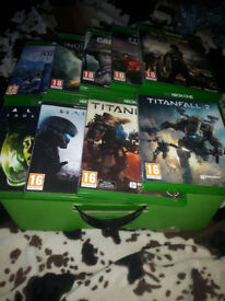 Xbox one 500GB, Kinect and 9 games.