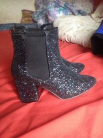 Brand New Glitter Heel boots Size 6 for SALE!