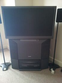 TOSHIBA 40 INCH REAR PROJECTION TV 40WH08B £10