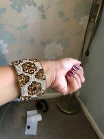 Pretty looking stone bangle