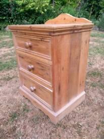 3 drawer pine unit