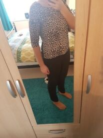 Leopard print top £2 like new size 12-14