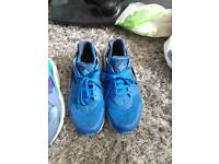 USED SIZE 11 UK NIKE AIR HUARACHES