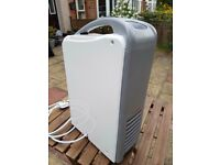 Challenge dehumidifier mdn-12dmn3 12L/day in very good condition for damp moisture water removal
