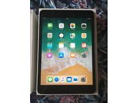 iPad mini 2 space grey Excellent condition boxed