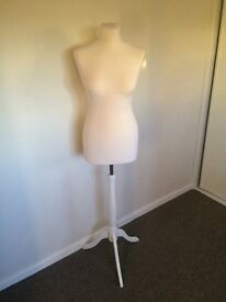 Mannequin bust for sale, great Xmas gift, looks good in any room