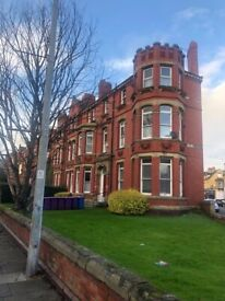 Princes Avenue L8 - Two bedroom furnished second floor flat to let