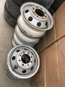 6 roues de Ford roue double 16 pouce 8x165.1, parfait pour un 2iem set!!!