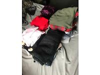 8/10 bundle of ladies clothes. 30+ items.